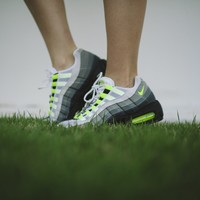 WMNS Nike Air Max 95 (Black/Volt-Anthracite-Cool Grey)