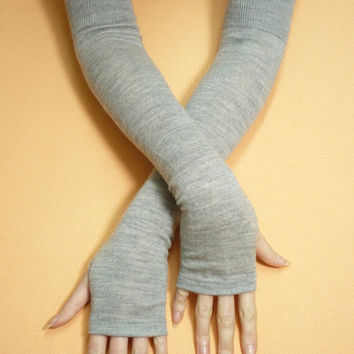 Long Grey Upcycled Merino Wool Arm warmers, Fingerless Knit Gloves, Soft and Warm Women recycled Sleeves, Boho Style, Winter, Armstulpen