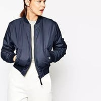 Plain Long-Sleeve Zippered Winter Jacket With Pocket