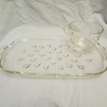 Clear Glass Tear Drop, Watermelon Seed Pattern Hazel Atlas 8 piece Serving Snack Set 4 Trays 4 Cups - Hazel Atlas 1960's Party Ware- Mint!
