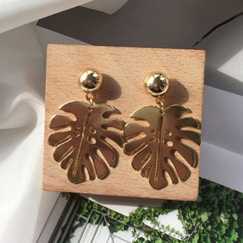 New Trendy Leaf Earrings for Women Charms Vintage Gold Color Small Palm Drop Earrings Fashion Jewelry Accessories Friend Gifts