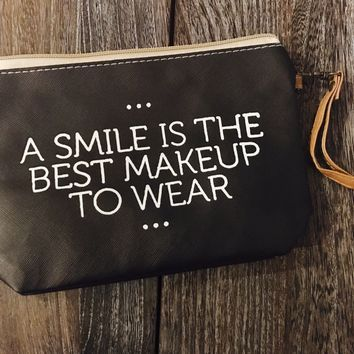 """Best Makeup to Wear"" Makeup Bag"