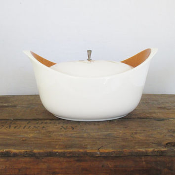 Vintage Casserole Dish Space Age Serving Bowl Retro Ceramic Bowl Mid Ventury Tureen Bowl with Lid Vintage Ceramic Soup Bowl Unique Gift