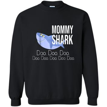 """""""Mommy Shark"""" Baby Mommy Daddy Matching Family Shark  Printed Crewneck Pullover Sweatshirt"""