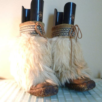1970s Apres Ski Mountain Goat Fur Boot  Sheep Shearling Hippie Blondo Made in Canada size 6.5 size 7