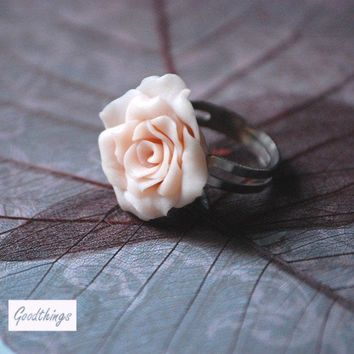 Rose ring - Pale pink blooming flower - romantic style