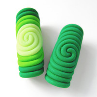 Dread Bead Set of 2 x 10mm Spiral Dread Beads Glow In the Dark Dreadlock Jewelry Beads Polymer Clay Perle Dread