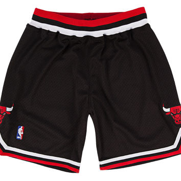 Chicago Bulls 1997-98 NBA Authentic Shorts Black