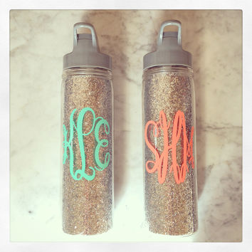 Personalized 18oz Loop Water Bottle {Silver Glitter}