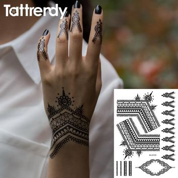 2017 Most Popular Black Henna Tattoos Flash Temporary Waterproof Lace Trendy Inspired Body Tattoo Stickers Indian Hand S1019B