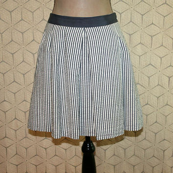 Cotton Skirt Gray & White Pinstripe Skirt Womens Skirts Full Skirt with Pockets Seersucker Medium Large Banana Republic Womens Clothing