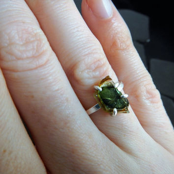 Green Tourmaline Crystal Slice Ring, Raw Crystal Ring, Sterling Silver Ring, Green Tourmaline Ring, Hammered Silver Ring, Unusual Stone Ring