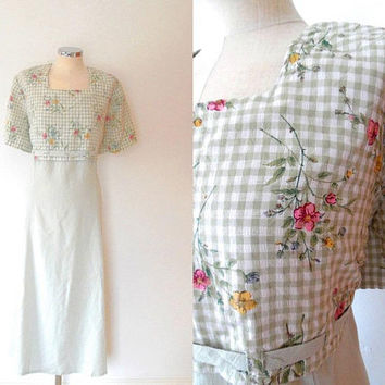Gingham floral maxi dress / pale green / white / yellow / pink / vintage / 1940s style / scallop / button / tie waist / summer dress