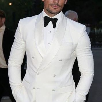 Fashion Ivory White Man Suits 2017 Groom Tuxedo Bespoke Suits With Black Pants Wedding Suits For Groomsmen (Jacket+Pants+Bow)