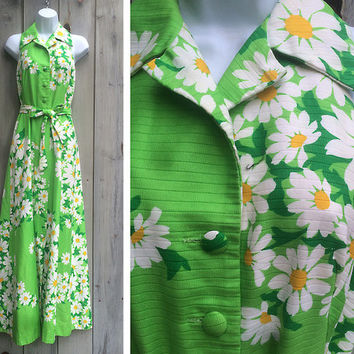 Vintage dress | 1970s resortwear tropical Malia Honolulu floral halter Hawaiian maxi dress