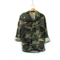 Vintage men's army shirt. military jacket. camouflage coat. size M