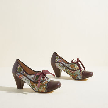 Chelsea Crew Notch Your Step Oxford Heel in Tapestry