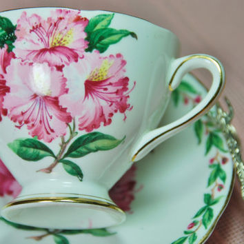"Beautiful GLADSTONE Tea Cup and Saucer ""Laurel Time"", Hibiscus, Pink, Green, Footed, England"