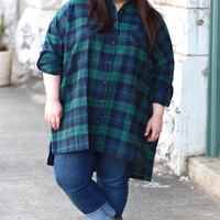 Plaid Flannel Tunic in Hunter Green/Navy {Curvy}