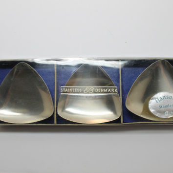 Hanson Stainless Denmark Set of 3 Mini Triangular Footed Trays