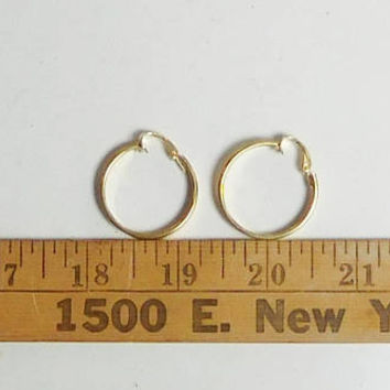 Gold Hoop Earrings, Laser Cut Earrings, Gold Tone, Clip On Hoops, Wide Band, Never Worn, Vintage 70s 80s, 1 inch wide, Signed LH Segal