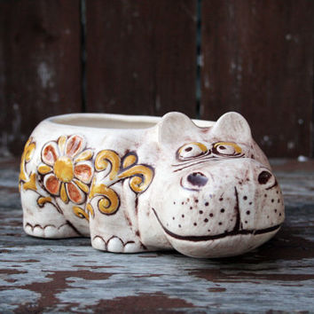 Vintage Ceramic Planter- Treasure Craft USA, Retro Hippo Pottery- 70s Home Decor, Glazed Bowl