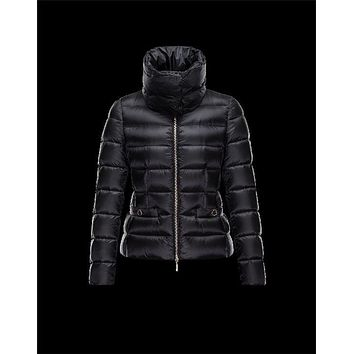 Moncler MEILLE Detachable Round Collar Black Jackets Techno Fabric Womens