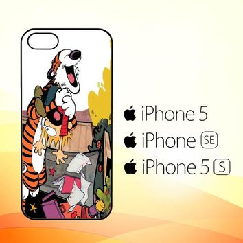Calvin and Hobbes V0305  iPhone 5|5S|SE Case