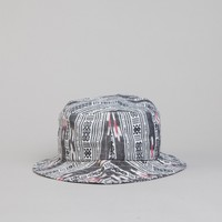 The Quiet Life Ikat Bucket Linear White / Black