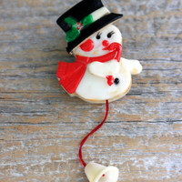 animated Christmas pin snowman plastic action brooch