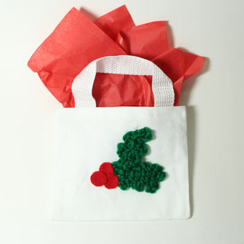 Christmas Holly Gift Bag, Holiday reuseable goodie bag, Christmas Crochet Candy Bag, Holiday Mini Tote Bag