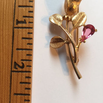 Vintage Costume Jewelry Pink Stone Gold Toned Flower Avon Brooch Pin