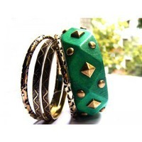 Foreign Lands Amorous Rivet Version Multilayer Bracelet