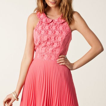 Pink Sleeveless Hollow Out Chiffon Dress with Pleated Skirt