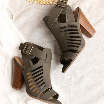 yummy and delicious cutout stacked heel sandal in distressed khaki