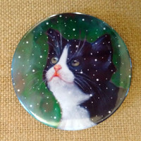 Tuxedo Cat in Snow Painting, Round MAGNET, Cat Art, Oil Pastel Painting, Cat Looking Up, Three Inch Magnet