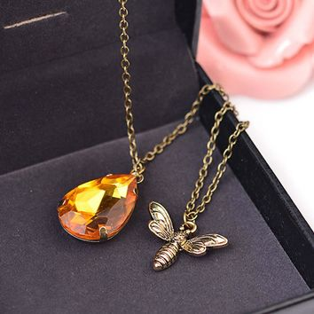 New Cute Yellow Crystal Bumble Bee Necklaces Pendants Lovely Honey Bee Necklaces Jewelry Lover Gift Graduation Romantic Necklace