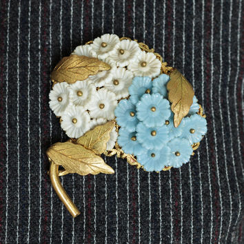 1950s Flower Brooch | Vintage Blue And White Floral Pin | 50s Estate Jewelry | Plastic With Gold Toned Metal