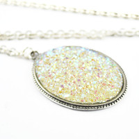 Sparkly pendant necklace