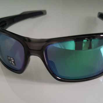 Oakley Turbine Sunglasses OO9263-09 Grey Smoke/Jade Iridium Polarized NEW