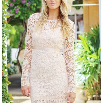 Blush lace dress with scalloped hem | Cecilia | escloset.com