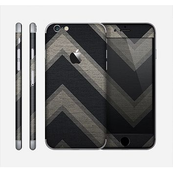 The Two-Toned Dark Black Wide Chevron Pattern Skin for the Apple iPhone 6
