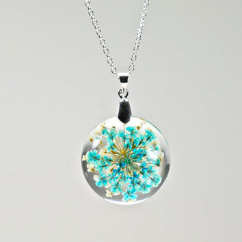 Real Flower Resin Pendant // Blue and White Flower Pendant, Real Pressed Flower Pendant, Real Botanical Jewelry, Resin Dried Flower Necklace