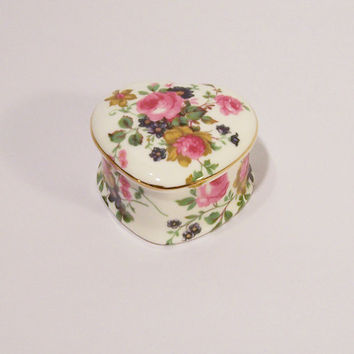 Beautiful Fine Bone China Ayshford Trinket Box,  Staffordshire Heart Shapped Trinket Box,  UK Seller