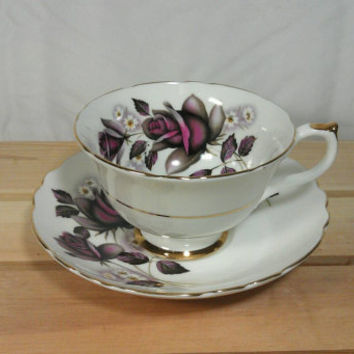 Vintage Finest Bone China Royal Imperial Made In England Everlasting Rose Teacup and Saucer