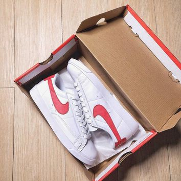 Nike Blazer Low Casual white shoes