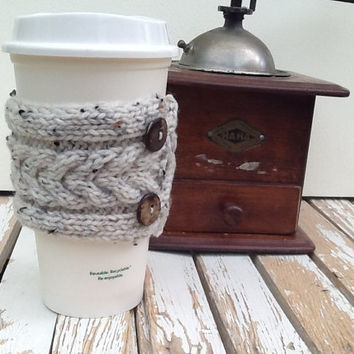 Coffee Cup Sleeve, Coffee Mug Cozy - Cable Knit Coffee Cup Cozy in Cream Tweed and Dark Brown Coconut Shell Buttons