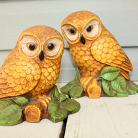 1970s Retro owl figurines. Set of two