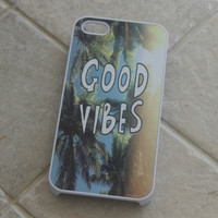 """Good Vibes"" Palm Trees Case"