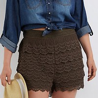 PLUS SIZE TIERED CROCHET SHORTS